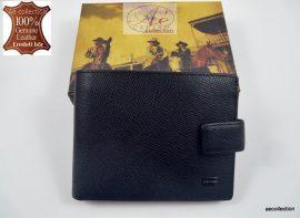 Elegáns CEFIRO márkájú bőrpénztárca fekete színben.
